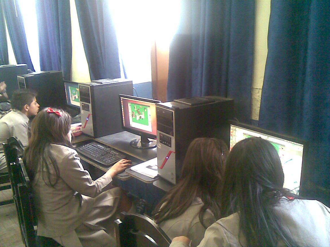 Escuela fiscal ecuatoriana usa Ubuntu
